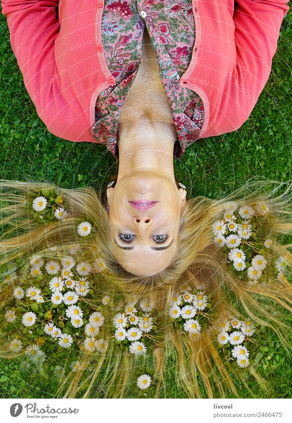woman among daisies Lifestyle Joy Hair and hairstyles Face Relaxation Meditation Summer vacation Garden Human being Feminine Woman Adults Female senior