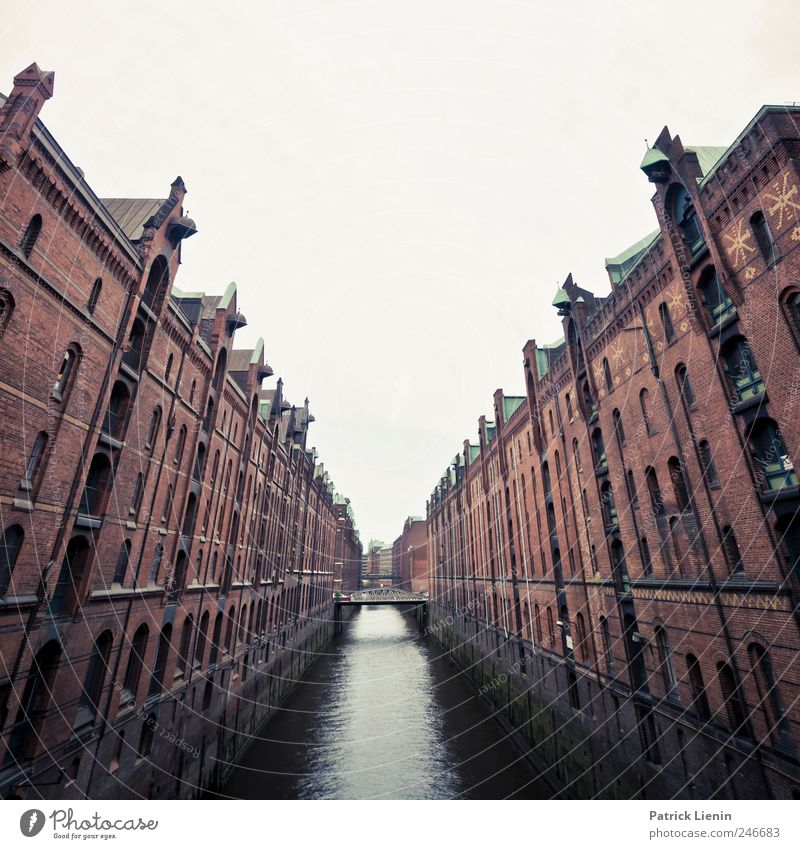 Sky Water Old City Far-off places House (Residential Structure) Window Architecture Building Elegant Hamburg Tourism Bridge Modern Mysterious
