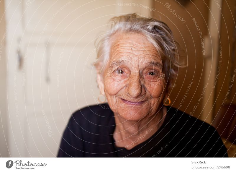 Human being Woman Old Black Life Senior citizen Head Moody Brown Healthy Exceptional Cute Warm-heartedness Friendliness 60 years and older Grandmother