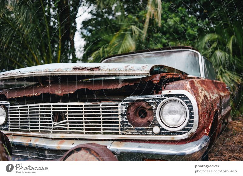 Old rusty car Engines Industry Environment Transport Motoring Traffic accident Vehicle Car Vintage car Metal Poverty Trashy Brown Red Silver Dependability