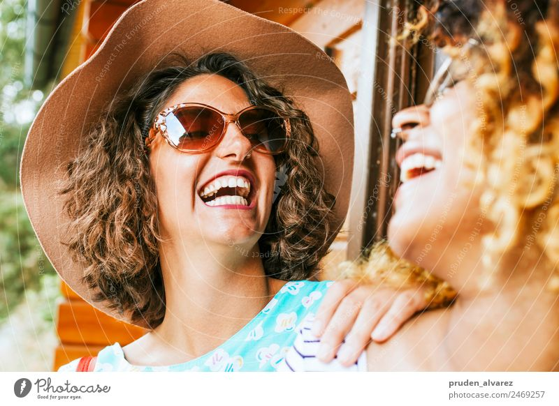 friends laughing out loud Joy Happy Summer Sun Company Feminine Woman Adults Friendship Partner Group Street Fashion Smiling Laughter Cool (slang) Modern