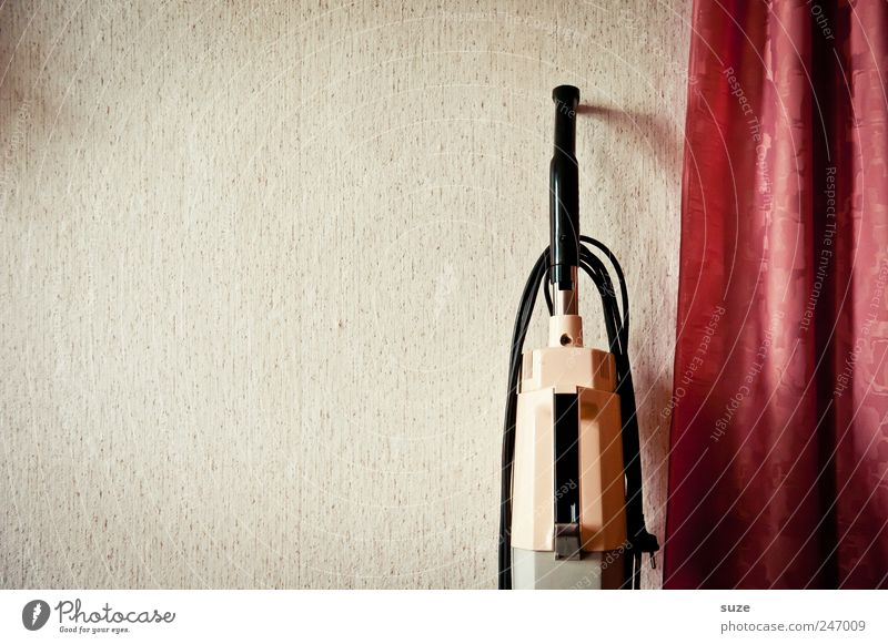 The little household ... Leisure and hobbies Living or residing Flat (apartment) Wallpaper Old Retro Clean Red Arrangement Past Wall (building) Vacuum cleaner