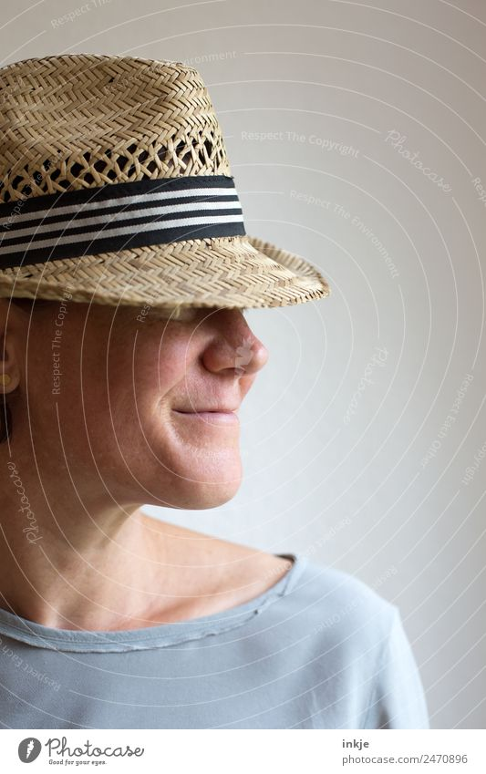 Woman Human being Face Adults Lifestyle Natural Style Fashion Leisure and hobbies Smiling Friendliness Hat 30 - 45 years Straw hat Bright background
