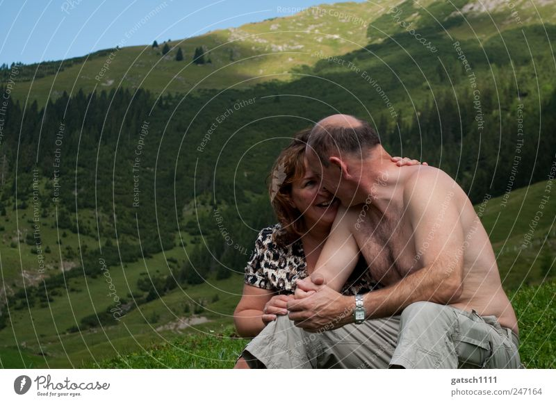 togetherness Human being Parents Adults Partner 2 30 - 45 years 45 - 60 years Nature Landscape Mountain To enjoy Kissing Smiling Love Illuminate Embrace Happy