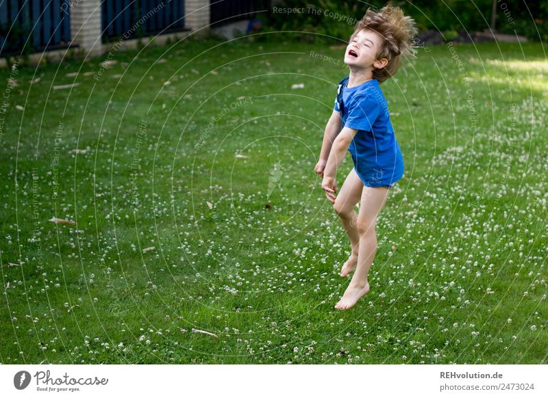 Child Human being Blue Green Joy Healthy Funny Meadow Laughter Happy Boy (child) Garden Playing Exceptional Contentment Leisure and hobbies