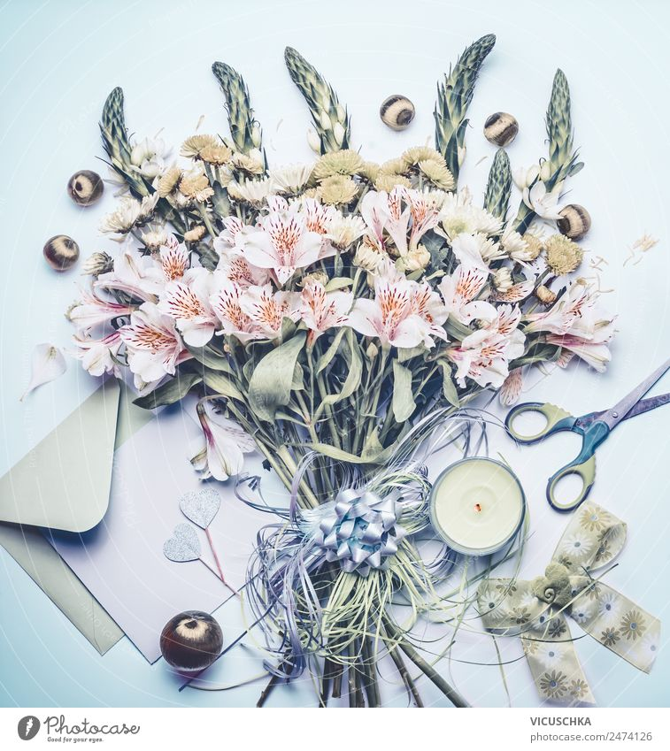 Bouquet with greeting card and candle Style Design Decoration Feasts & Celebrations Mother's Day Wedding Birthday Plant Flower Stationery Paper Candle Bow Love