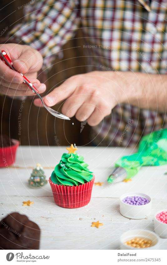 Cupcakes christmas tree Christmas & Advent Green White Tree Red Small Feasts & Celebrations Decoration Gift Symbols and metaphors Frost Dessert Home Horizontal