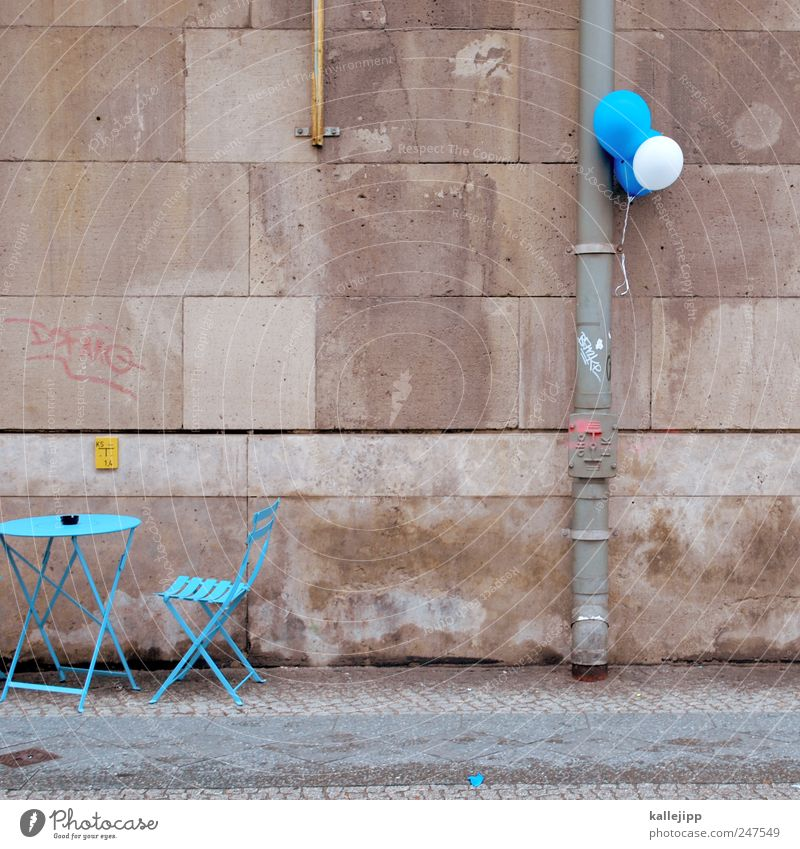 Blue Style Lifestyle Wall (barrier) Feasts & Celebrations Work and employment Tourism Table Balloon Chair Sidewalk Gastronomy Event Restaurant Café Bar