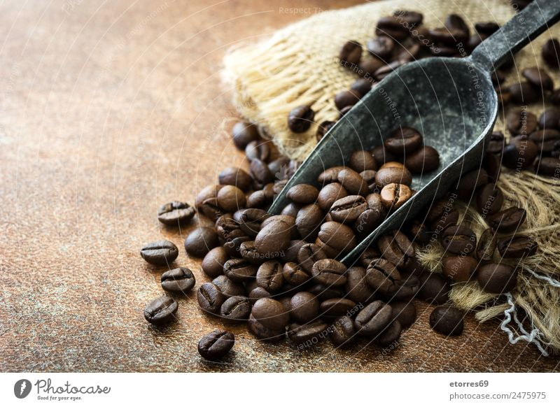 Roasted coffee beans and spoon Food photograph Brown Nutrition Coffee Beverage Drinking Organic produce Breakfast Grain Diet Vegetarian diet Aromatic Spoon