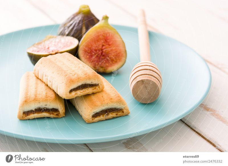 Fig cookies on white wooden table Cookie biscuits Fruit Food Healthy Eating Food photograph Fresh antioxidant Raw Sweet Tropical Wood Dessert Snack Vitamin