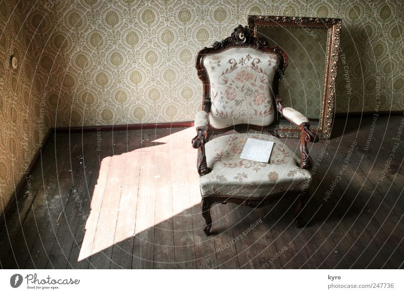 Old Loneliness Dark Wood Brown Room Flat (apartment) Gold Paper Chair Exceptional Mirror Wallpaper Furniture Living room Bizarre