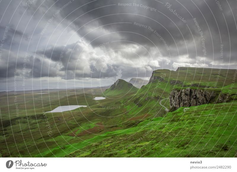 The Quiraing in Scotland Scottish Scottish Highlands Scottish weather Scottish countryside Nature Miracle of Nature out Hiking hike Experience experience Green