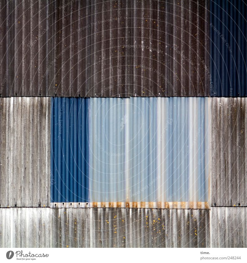 Old Blue Wall (building) Brown Esthetic Manmade structures Plastic Transparent Warehouse Hall Vertical Parallel Tin Decompose Shipyard