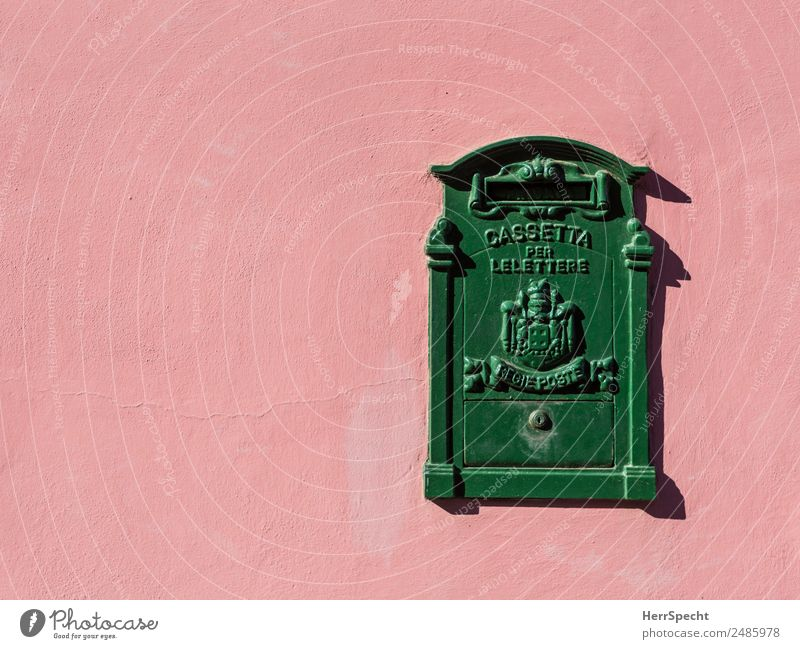 Write again! Living or residing Flat (apartment) Italy Wall (barrier) Wall (building) Mailbox Metal Sign Characters Ornament Beautiful Uniqueness Retro Green