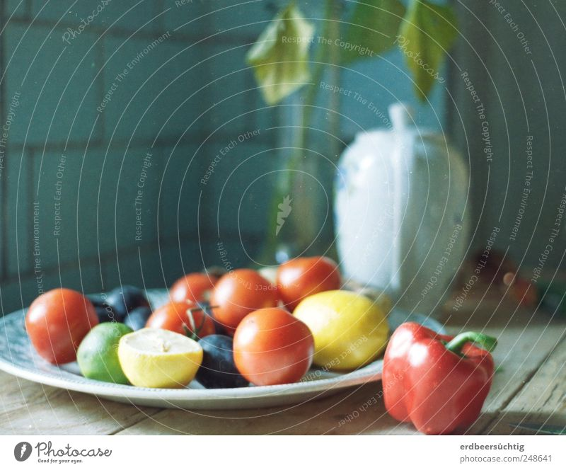 Style(l) from Gartenpotpourri Food Vegetable Fruit Tomato Lemon Plum Nutrition Plate Coffee pot Healthy Harmonious Well-being Senses Summer Living or residing