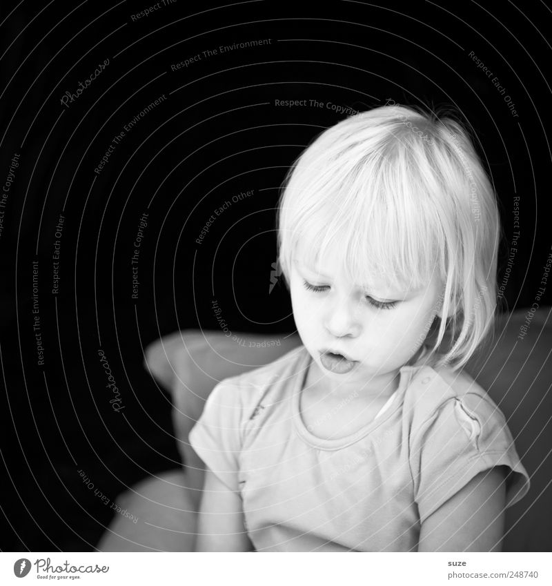 submerged Face Child Toddler Infancy Head Hair and hairstyles 3 - 8 years T-shirt Blonde Dark Bright Small Cute Thought Meditative Black & white photo
