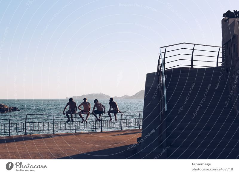 les gars Human being Masculine Young man Youth (Young adults) Body 4 Sit Friendship Marseille Corniche Southern France Mediterranean sea Boy (child) Relaxation