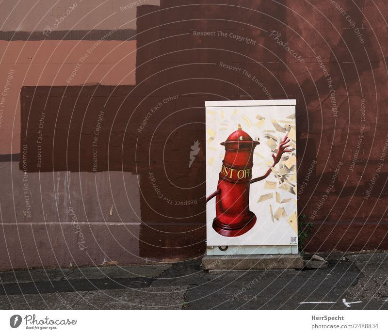 post office Manmade structures Building Wall (barrier) Wall (building) Graffiti Funny Town Brown Red Mailbox Street art Decoration Paintwork Box