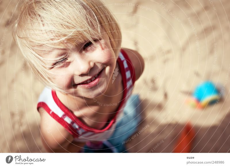 Human being Child Summer Girl Beach Face Hair and hairstyles Small Head Sand Blonde Infancy Happiness Stand Childhood memory Cute
