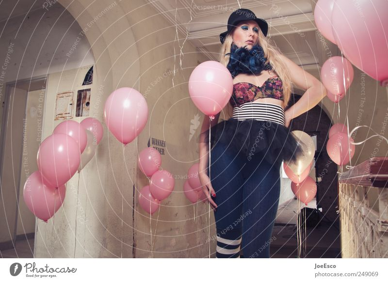 Woman Beautiful Adults Style Party Sadness Dream Fashion Feasts & Celebrations Contentment Blonde Room Esthetic Crazy Cool (slang) Balloon