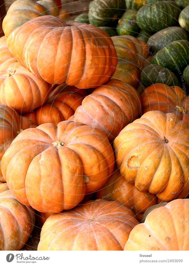 Pumpkins in market-Senegal Food Fruit Nutrition Vegetarian diet Diet Shopping Plant Agricultural crop Stand Green Orange Trade verdure Verdant Vegan diet