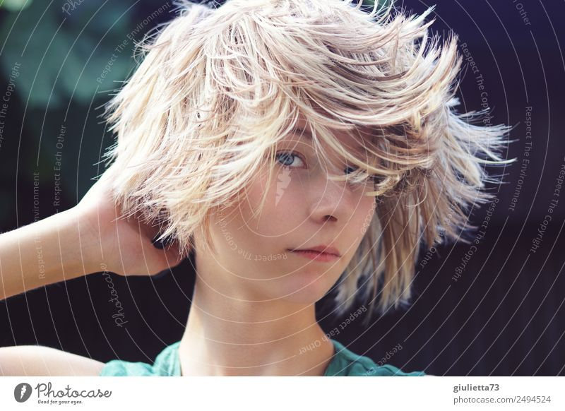Curious | Crazy Summer Hair Trend IV Feminine Young woman Youth (Young adults) Life Hair and hairstyles 1 Human being 8 - 13 years Child Infancy 13 - 18 years