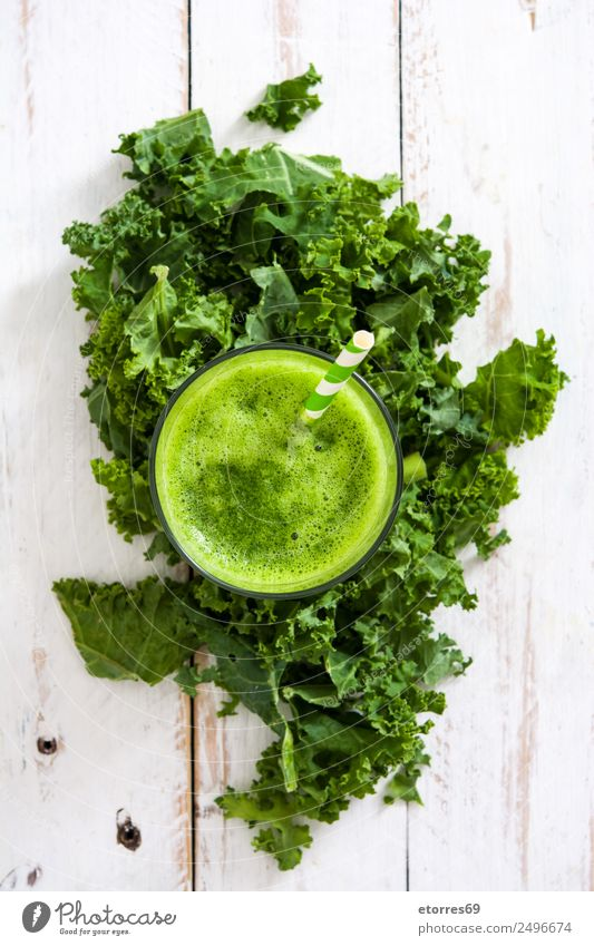 Kale smoothie Vegetable Organic produce Vegetarian diet Beverage Cold drink Juice Glass Healthy Health care Healthy Eating Summer Fresh Juicy Green White