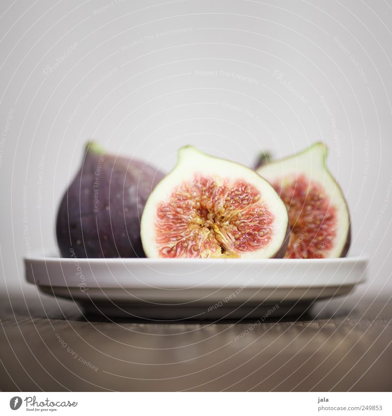 a little cowardly Food Fruit Fig Nutrition Organic produce Vegetarian diet Plate Esthetic Healthy Delicious Natural Colour photo Interior shot Deserted