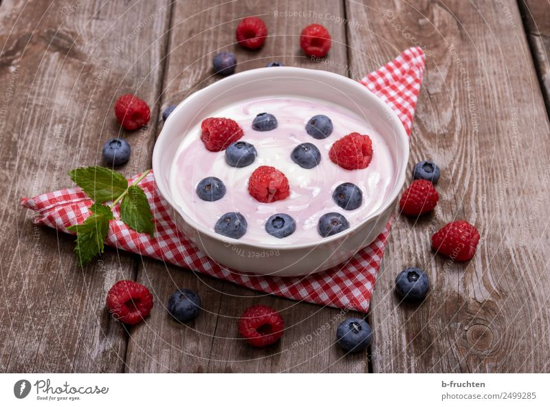 Yoghurt with fresh fruits Food Dairy Products Fruit Picnic Organic produce Vegetarian diet Bowl Mug Healthy Wood Eating Fitness Fresh Breakfast Table Napkin