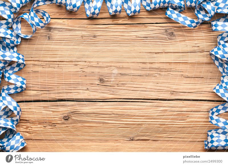 Oktoberfest streamers Living or residing Flat (apartment) Decoration Furniture Desk Table Party Event Restaurant Feasts & Celebrations Eating Carnival