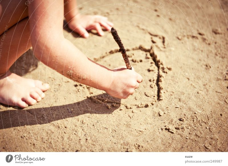 sandman Leisure and hobbies Playing Vacation & Travel Summer Beach Human being Child Infancy Arm Hand Legs 1 Nature Sand Climate Beautiful weather Sign Draw