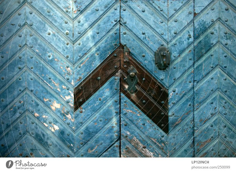 Blue Cold Wood Door Retro Gate Entrance Trashy Door handle Old town Luneburg