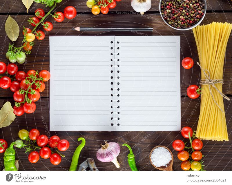 vegetables and spices Vegetable Dough Baked goods Herbs and spices Lunch Italian Food Paper Line Eating Fresh Large Long Above Brown Yellow Red Colour Tradition