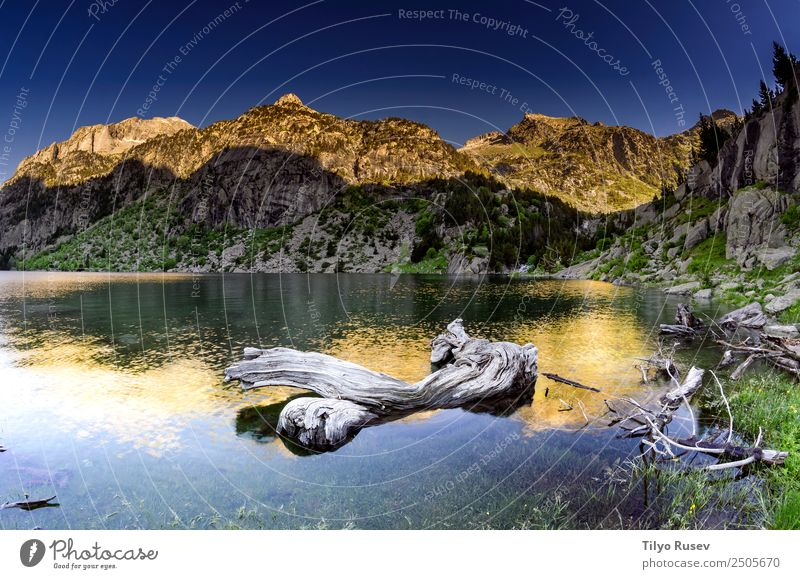 Colomers Sky Nature Vacation & Travel Blue Beautiful Landscape Forest Mountain Environment Natural Tourism Lake Rock Leisure and hobbies Wild Hiking