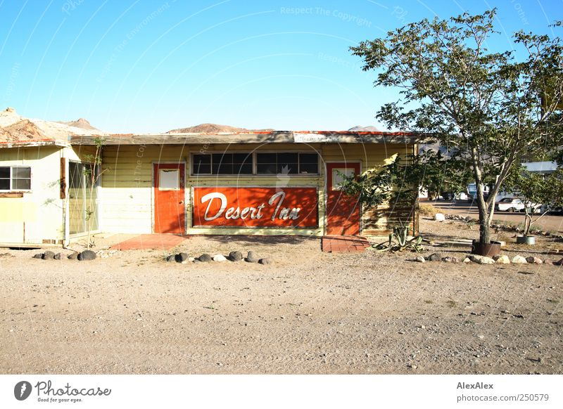 deserted Tourism Trip Motel House (Residential Structure) Reception Services Insolvency Uninhabited Cloudless sky Tree Mountain Desert USA Village Hut Window