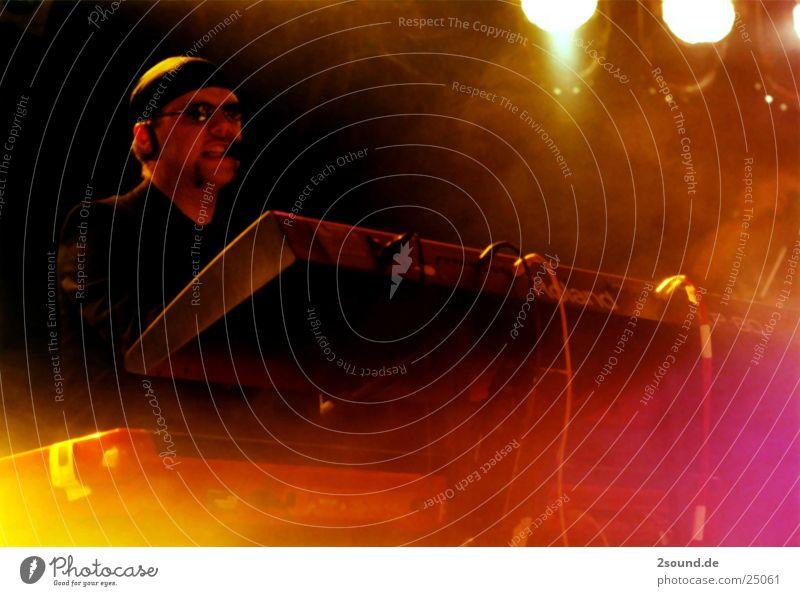 Mark Sixteen Live 16 Concert Man Music dave mark16 keyboarder