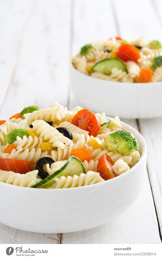 Pasta salad bowls Food Lettuce Salad Dough Baked goods Nutrition Vegetarian diet Bowl Healthy Summer Fresh Green Red White Vegetable Vegan diet Cucumber