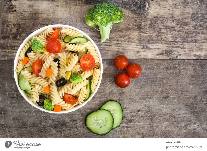 Pasta salad Summer Green Red Healthy Food Copy Space Nutrition Fresh Vegetable Bowl Baked goods Vegetarian diet Wooden table Lunch Tomato Lettuce