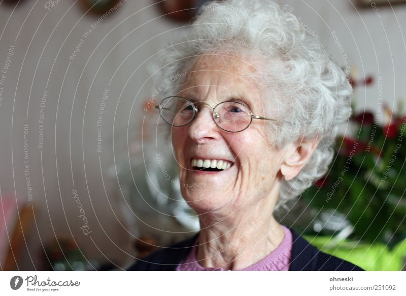 The 98th birthday Human being Female senior Woman Grandmother Senior citizen Head Face 1 60 years and older Old Happiness Joie de vivre (Vitality) Joy Laughter