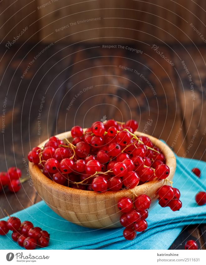 Ripe red currant berries in a bowl Fruit Vegetarian diet Bowl Summer Garden Wood Fresh Delicious Natural Blue Red White background Berries Redcurrant food