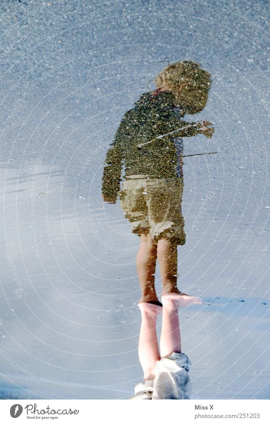 Human being Child Water Street Lanes & trails Infancy Wet Swimming & Bathing Toddler Puddle 3 - 8 years 1 - 3 years