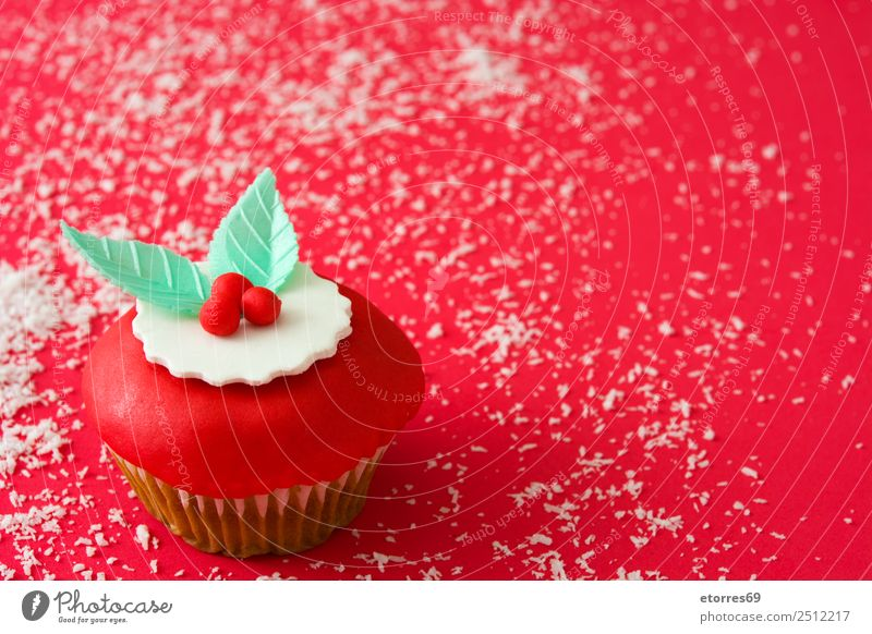 Christmas cupcake Food Dish Food photograph Baked goods Cake Dessert Healthy Eating Decoration Feasts & Celebrations Christmas & Advent Ornament Sweet Candy