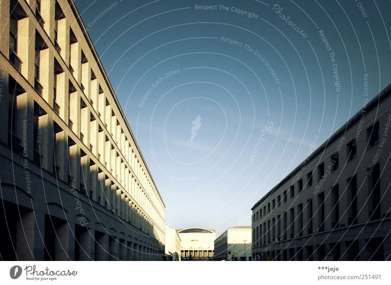 City House (Residential Structure) Street Architecture Concrete Modern Perspective Manmade structures Italy Rome Sharp-edged Alley Palace Monumental Vanishing point