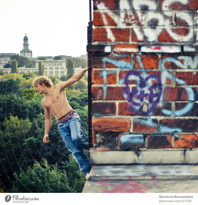 big city children playground Climbing Mountaineering Masculine Young man Youth (Young adults) Partner Stomach 1 Human being 18 - 30 years Adults Skyline