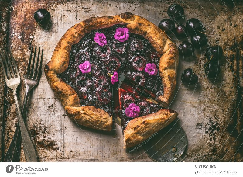 Churches Galette Food Fruit Dough Baked goods Cake Nutrition Organic produce Cutlery Style Design Summer Living or residing Table Kitchen Still Life godet Fork