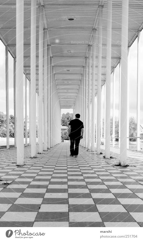 Runner on 3d Human being Masculine 1 Black White Column Lobby Manmade structures Architecture Depth of field Vanishing point Going Böblingen district