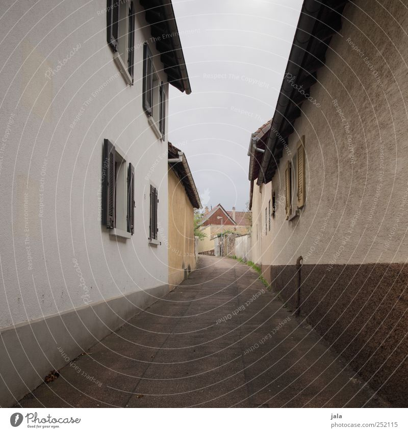Sky City House (Residential Structure) Wall (building) Window Architecture Wall (barrier) Lanes & trails Building Facade Manmade structures Village Narrow Alley