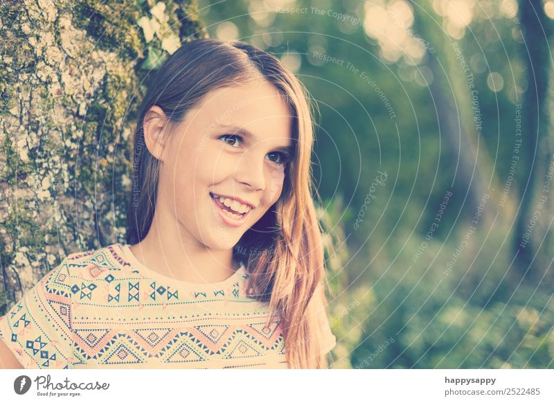 Laughing girl Human being Feminine Girl Sister Youth (Young adults) 1 8 - 13 years Child Infancy Nature Brunette Long-haired Part Smiling Laughter Friendliness