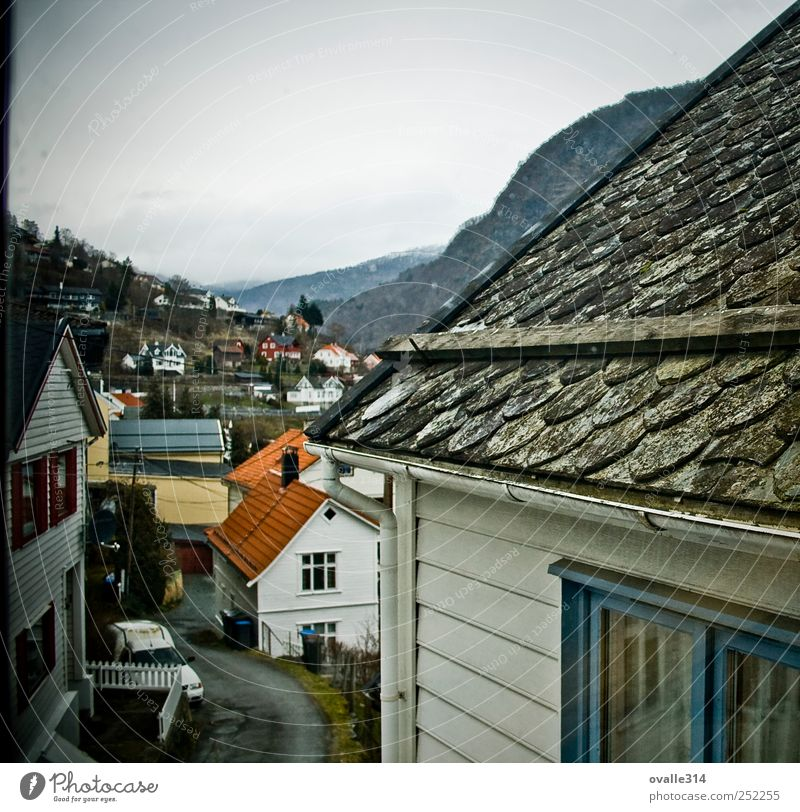 Old White Beautiful Red House (Residential Structure) Dark Wall (building) Window Above Architecture Wall (barrier) Building Small Facade Esthetic