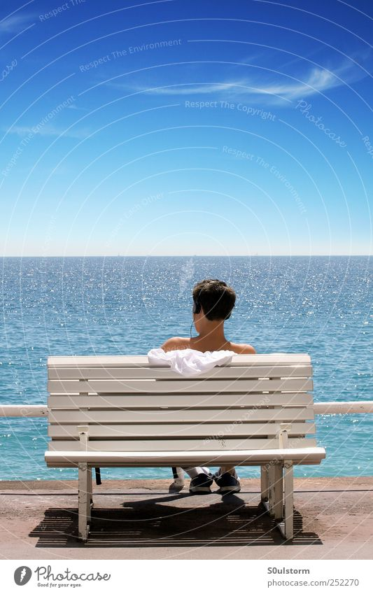 Sea Hear Happy Harmonious Well-being Contentment Relaxation Calm Freedom Ocean Masculine Young man Youth (Young adults) Sky Cloudless sky Horizon Summer